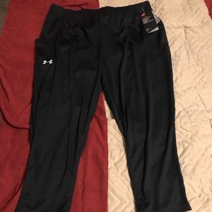 Girls under armour cropped pants
